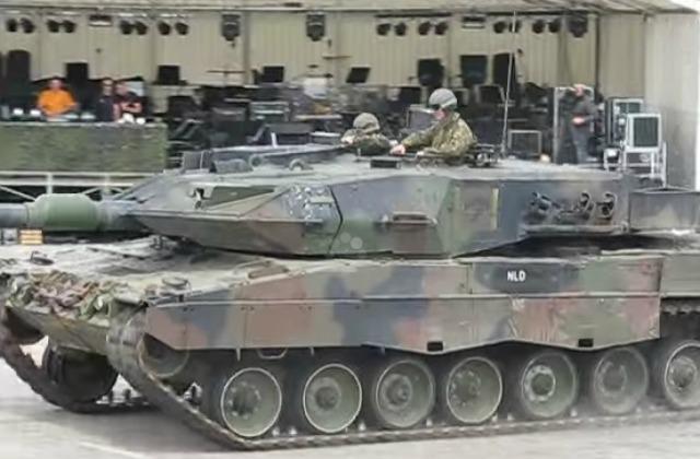 Немцы —  танки Леопард2 на подходе
