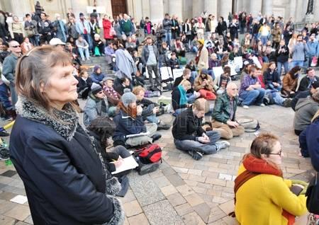 Процесс оккупации Европы беженцами с эвакуацией мирного населения из зон боевых действий