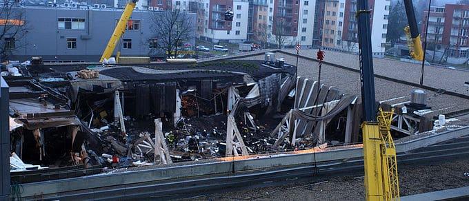 Латвия катастрофа в Maxima Золитуда инженеры, контроль, строительные узлы и материалы