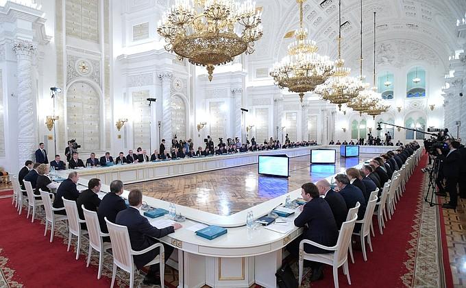 «голосующие политики за»ТРУДОВОЙ ГУЛАГ В РОССИИ