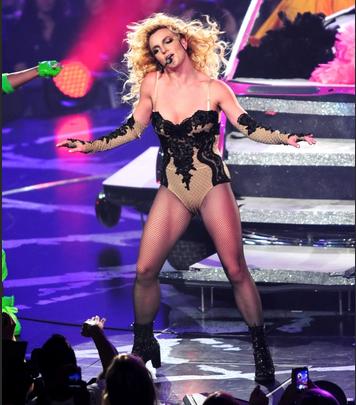 миллионы фанатов призывают освободить  Бритни Спирс