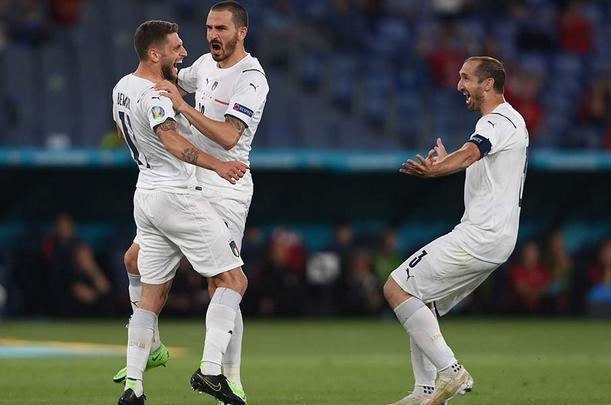 УЕФА заблокировал билеты, проданные английским болельщикам