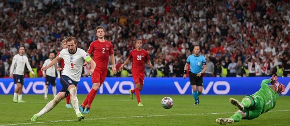 Победа англичан в полуфинале ЧЕ омрачена спорами о пенальти и безобразной выходкой болельщиков
