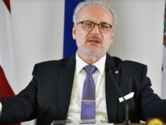 Президент Латвии воззвание к населению: хотите жить долго, сделайте прививку